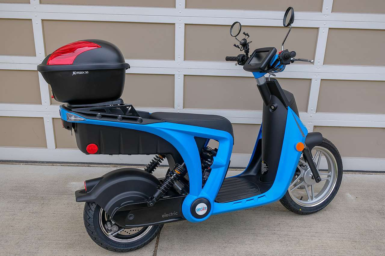 Blue GenZe Electric Scooter 2.0s with K-Max 30 topcase