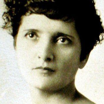 Retrato de Elvia Carrillo Puerto, realizado en 1901.