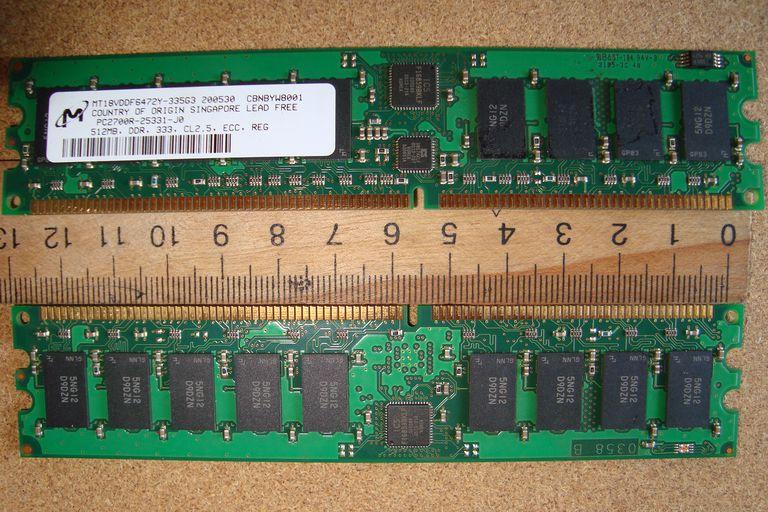 Micron PC2700 DDR ECC Memoria registrada.