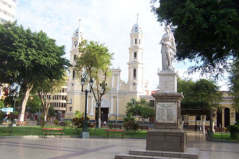Plaza de Armas, Piura