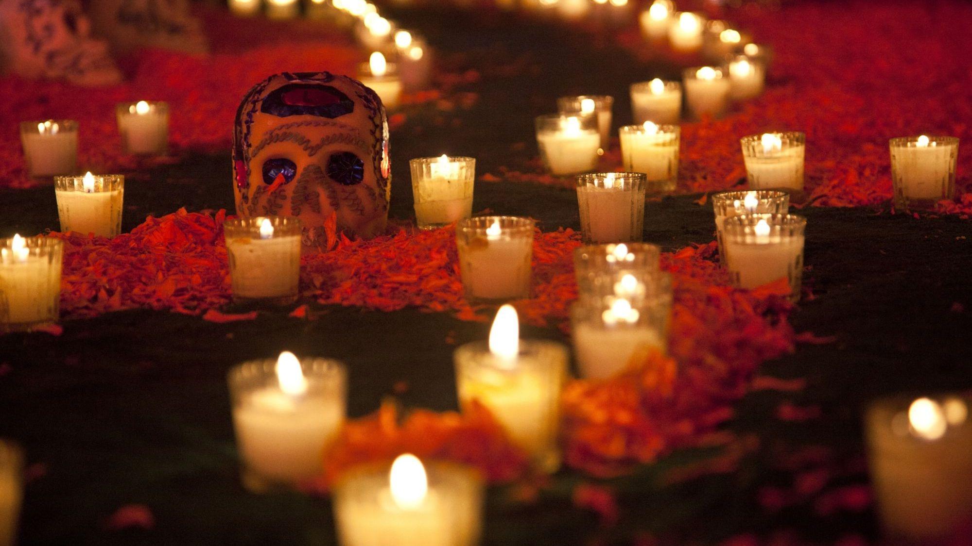 Algunos objetos para el altar de Muertos