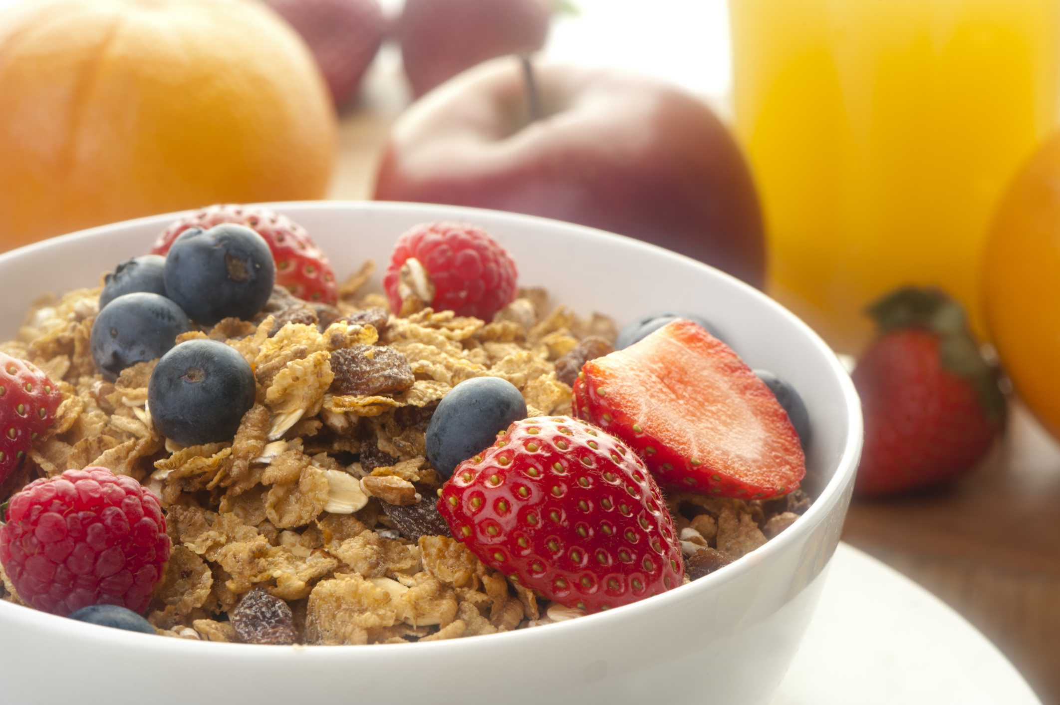 7 desayunos nutritivos y saludables cereales con fruta