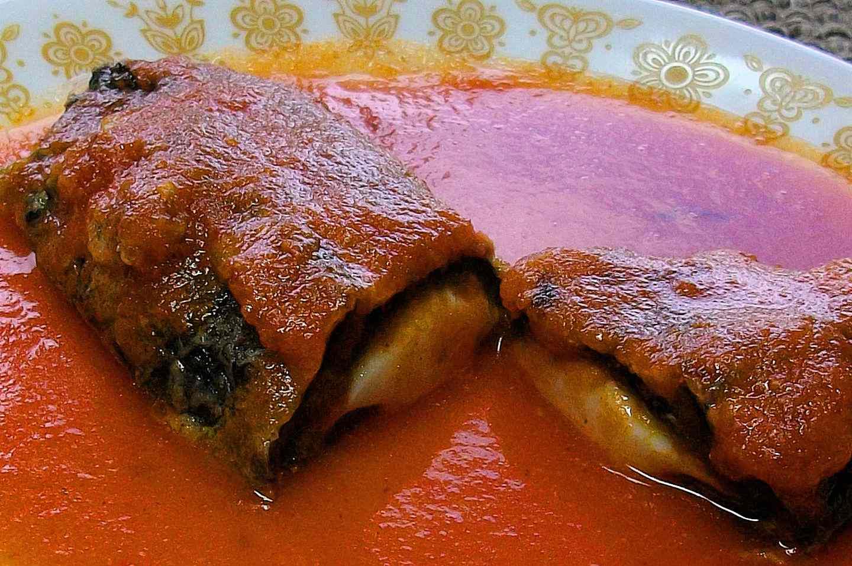 Chile-poblano-relleno-de-queso
