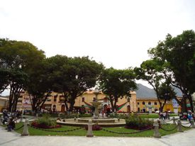 plaza-de-armas-de-huanuco.JPG