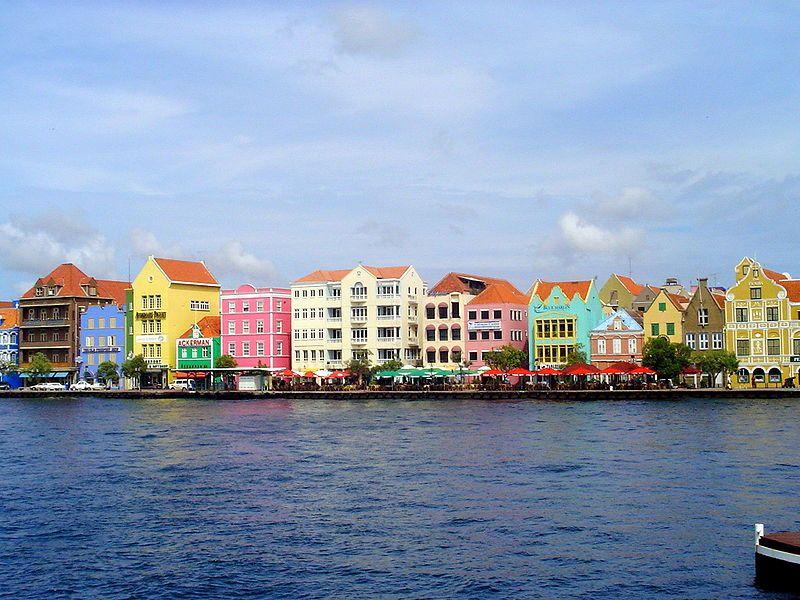 Island-of-Curacao_c_Rodry-1-at-nl.wikipedia.jpg