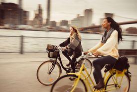 manejando bicicleta en NY