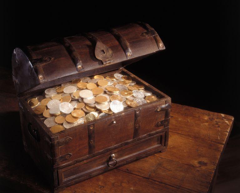 Baul con monedas