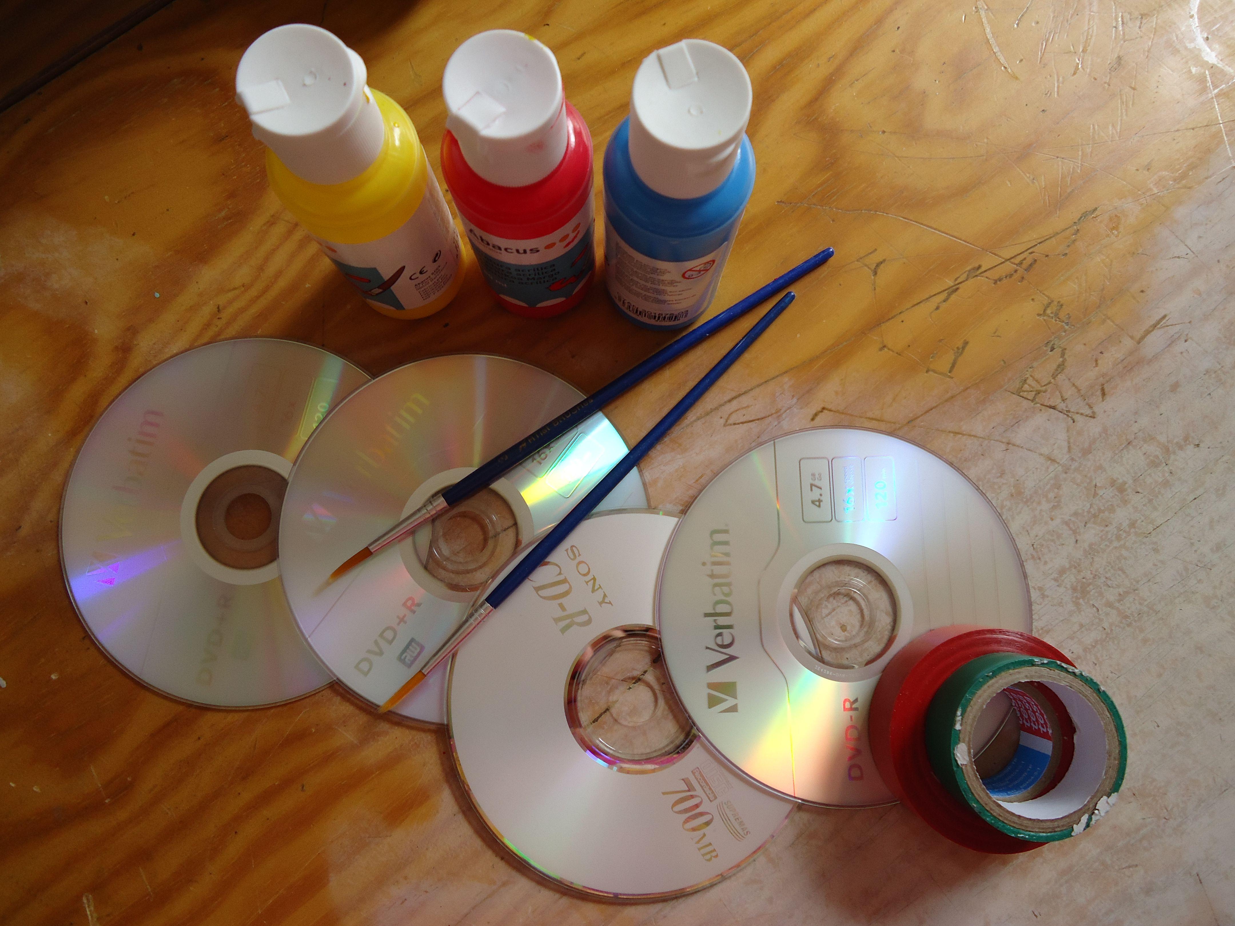 CDs pintados materiales