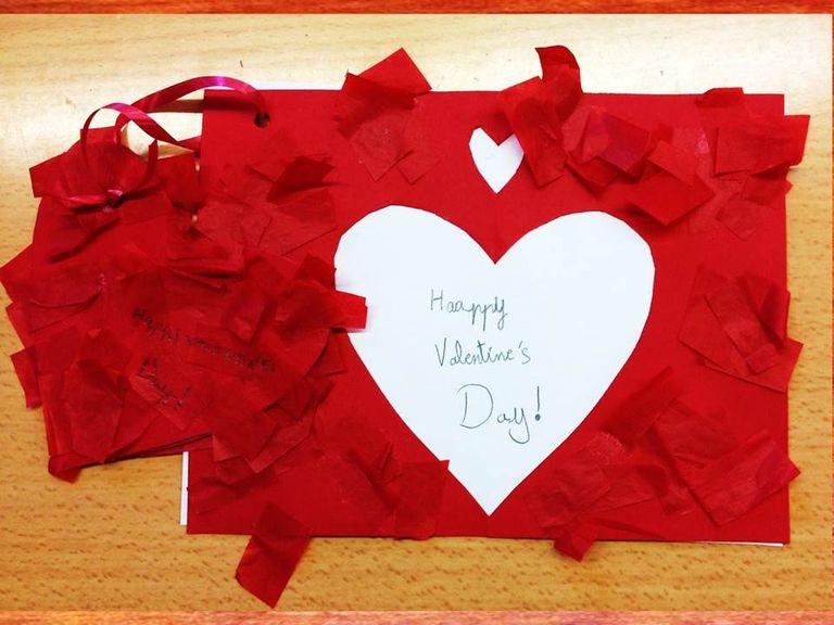 Tarjeta de San Valentín recortada.