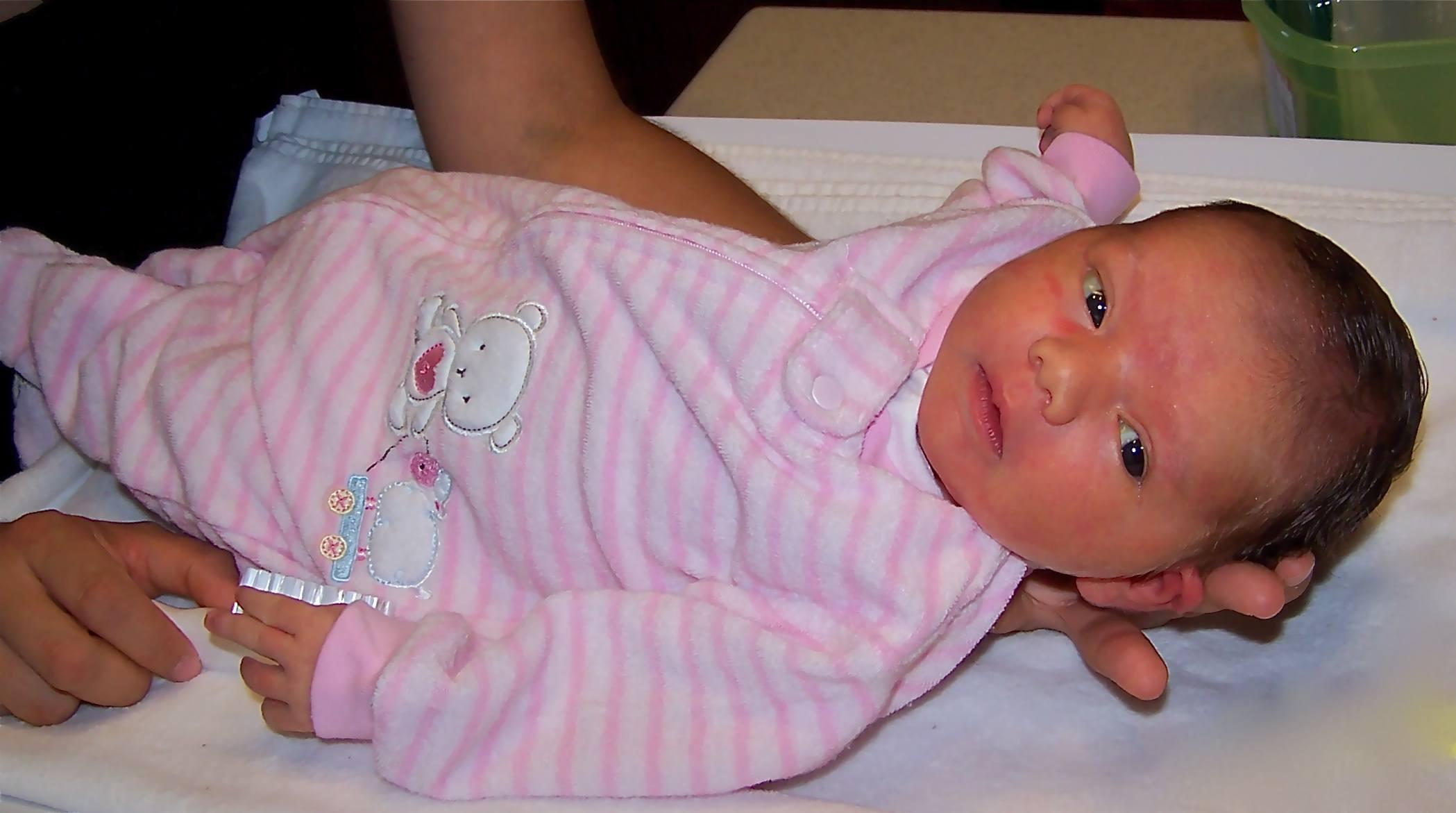 ffbb4bd3b Ropa de bebé  las 10 prendas que necesita tu recién nacido