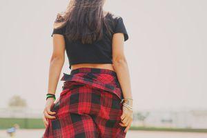 Adolescente caminando
