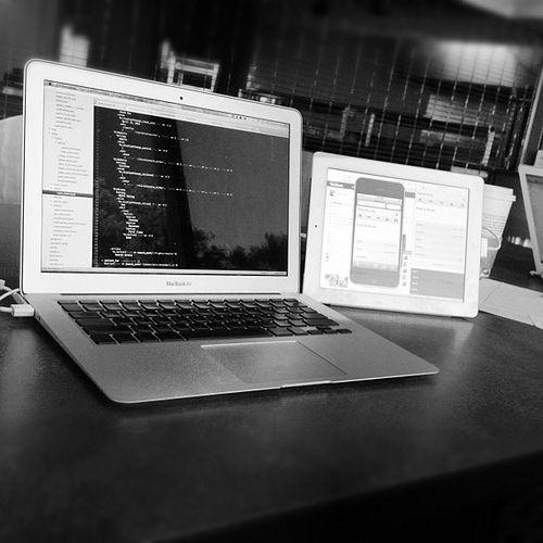 iPad + MacBook + Air Display