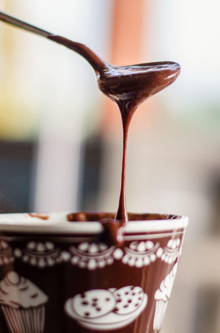 Chocolate negro contiene magnesio
