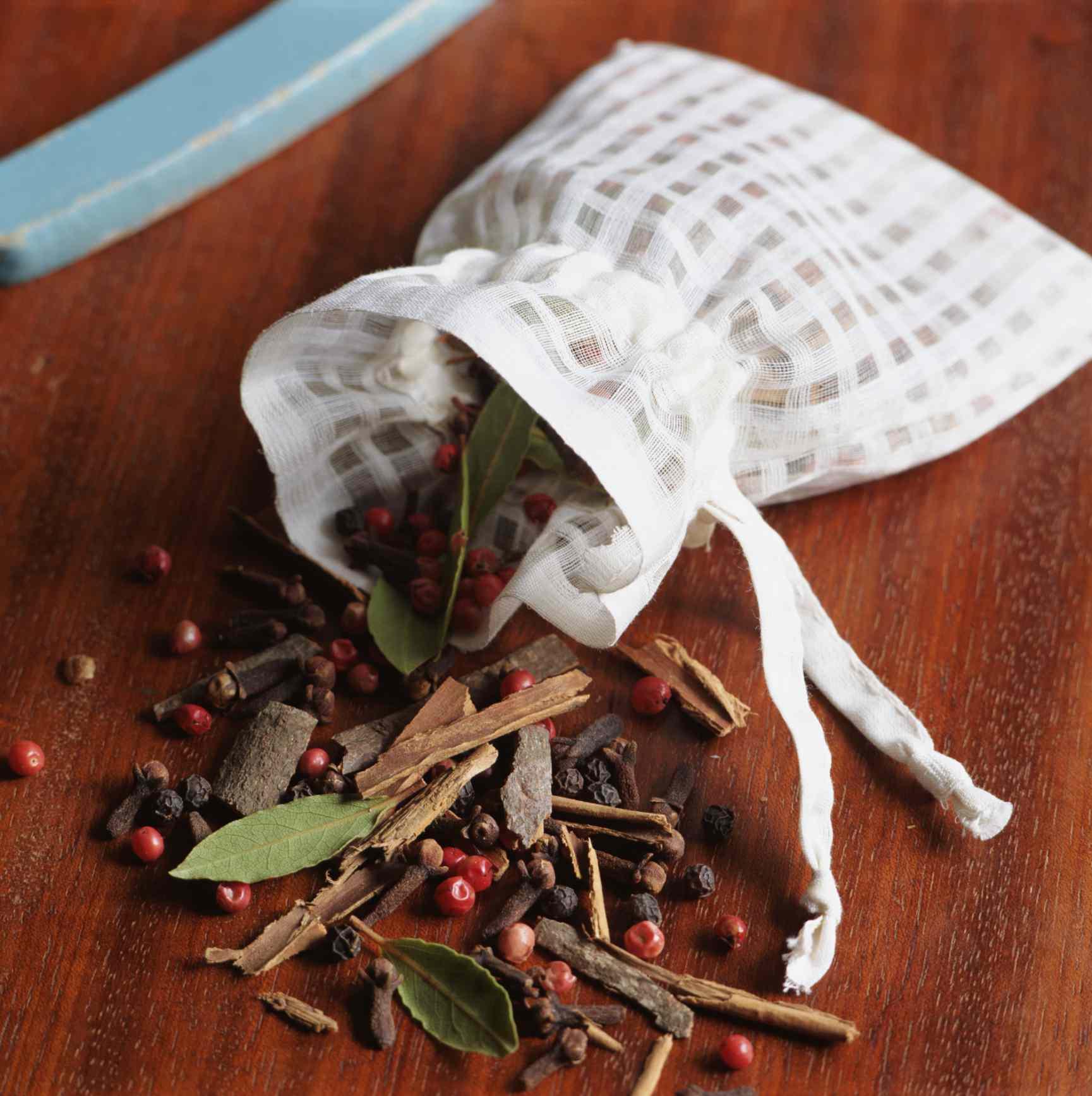 El popurrí es un aromatizante casero fácil de elaborar.