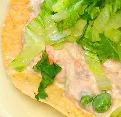 Tostada de ensalada de atún