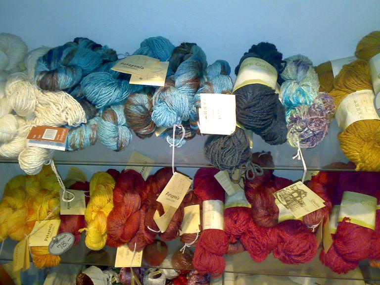 Madejas de lana teñidas a mano