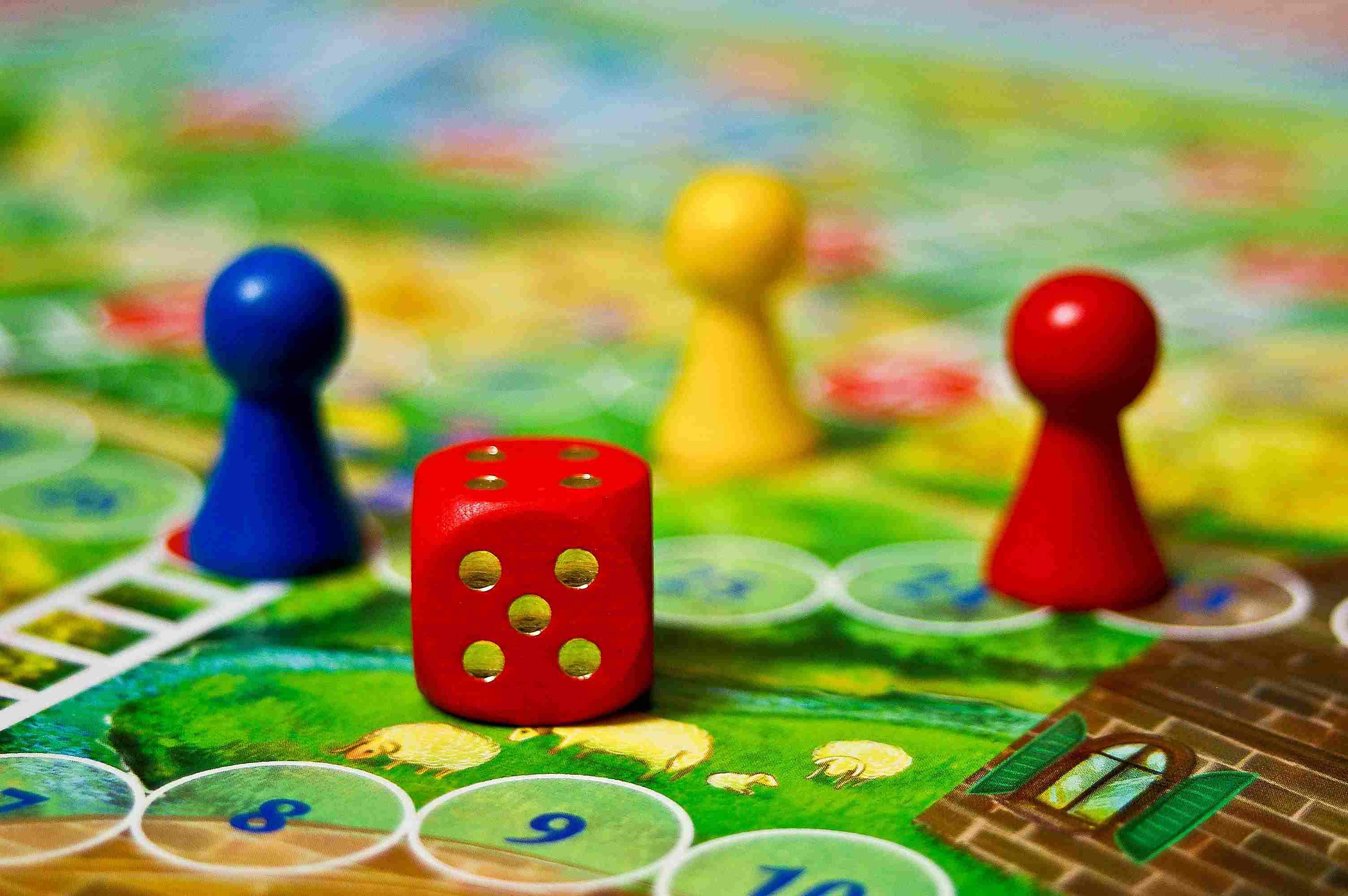 Los juegos de tablero son entretenidos para toda la familia