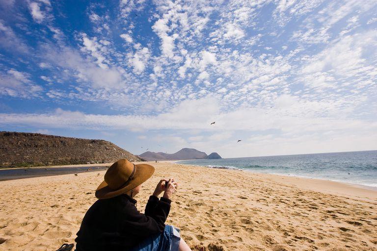 Playa-en-Todos-Santos.jpg