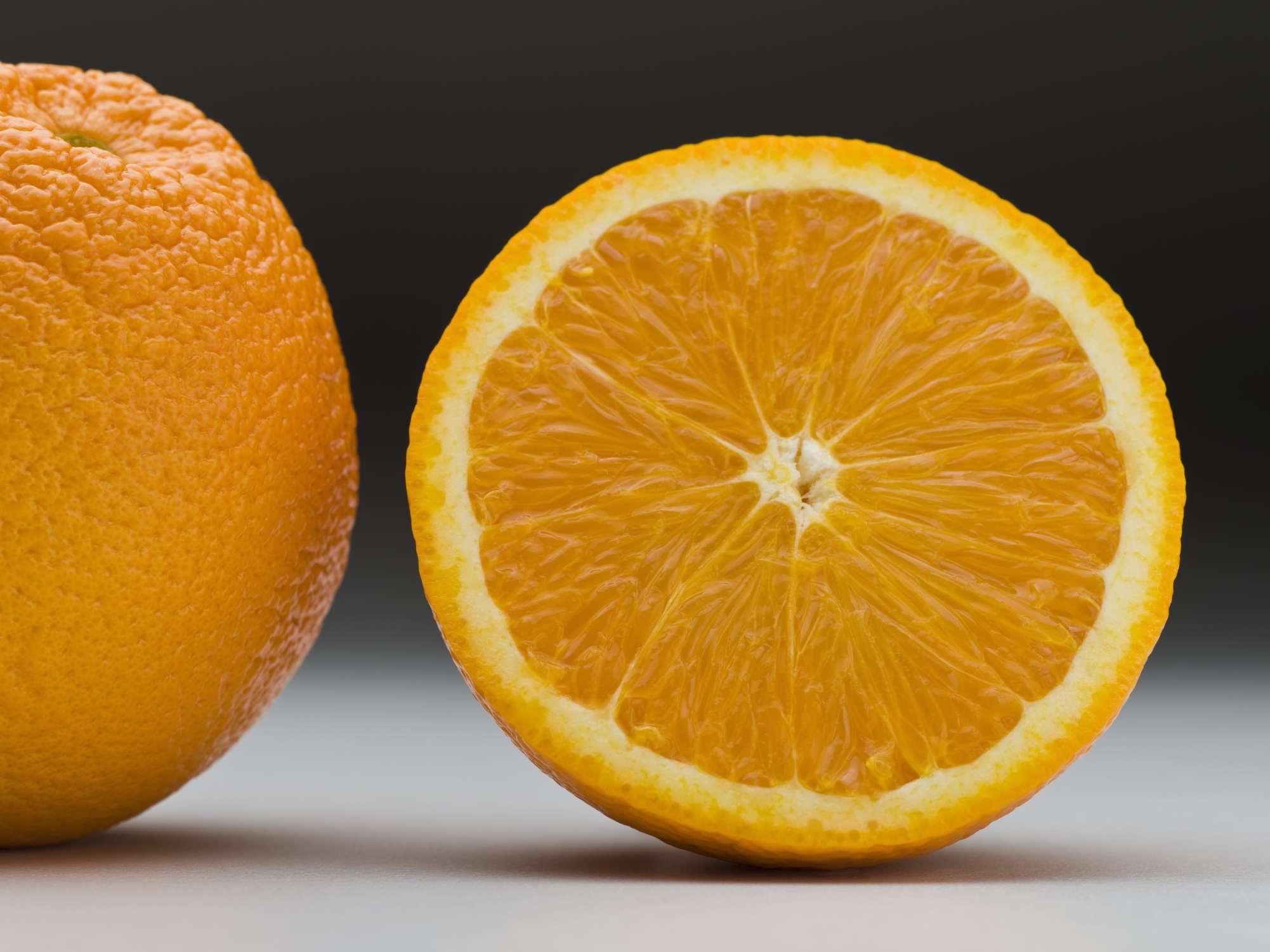 Aromatizante casero de naranja para el refrigerador
