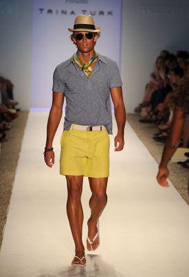 Moda para hombres, ¿cómo vestirse para la playa o la piscina?