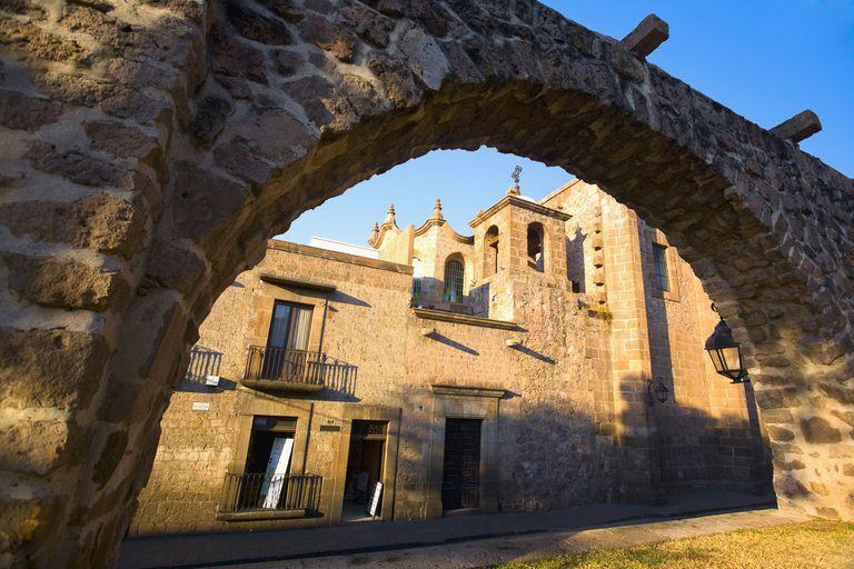 Church viewed through an arch, Templo De Las Rosas, Morelia, Michoacan State, Mexico