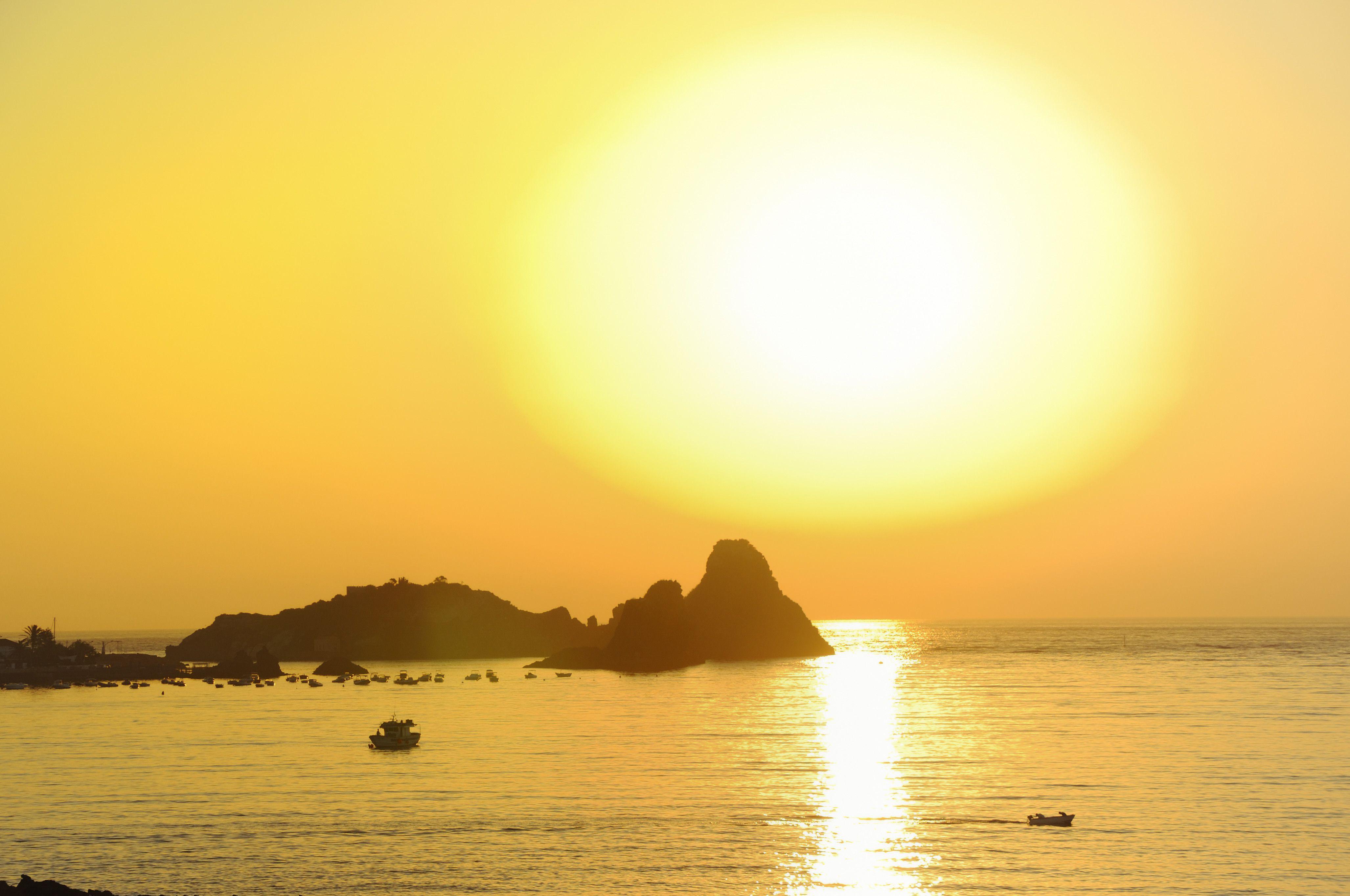 Sol sobre el mar