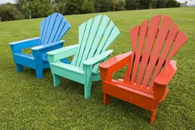 Coloridas sillas de Adirondack