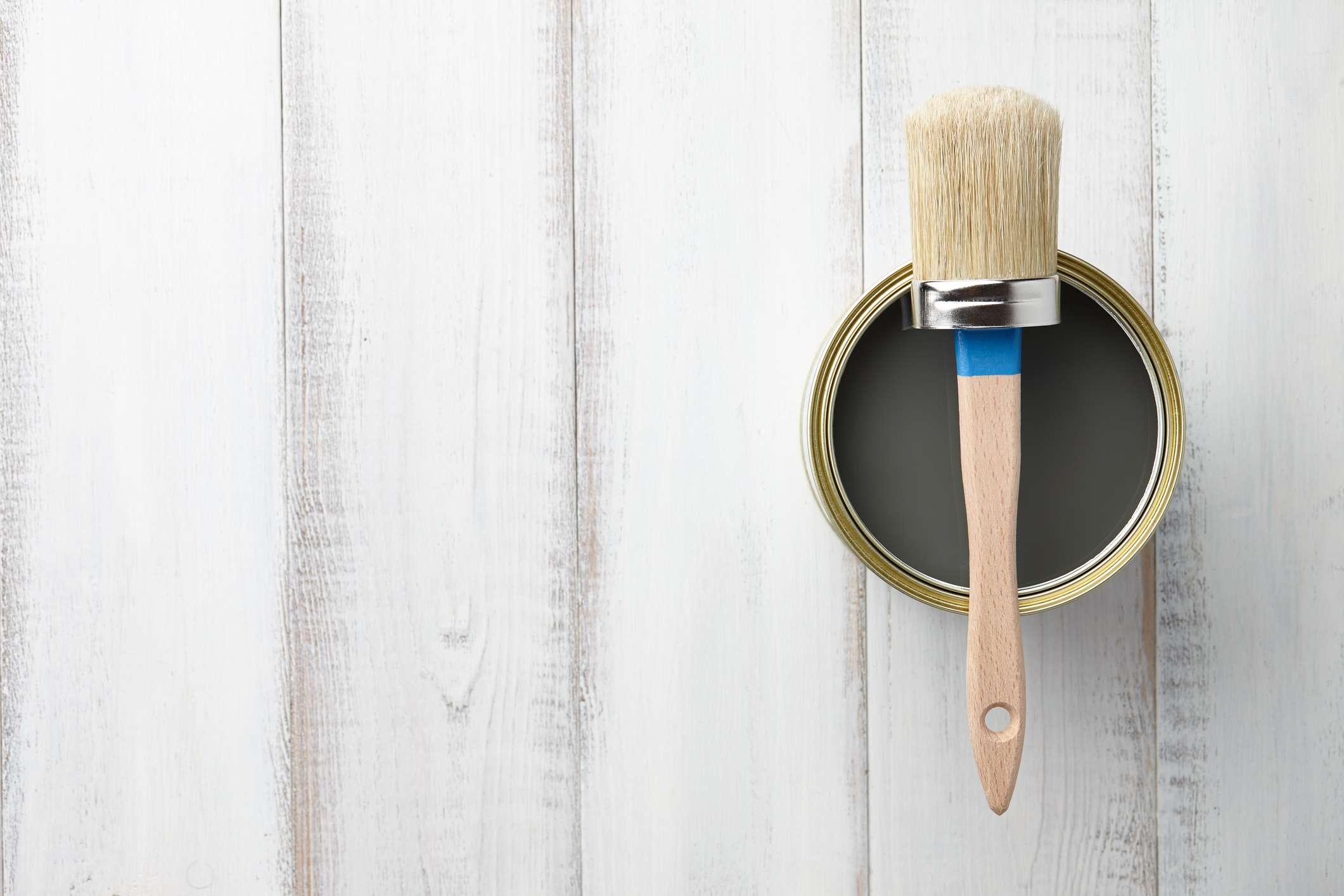 Pintura y brocha