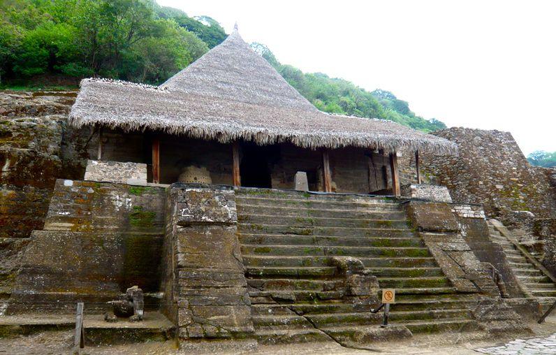 Templo de guerreros azteca en Malinalco