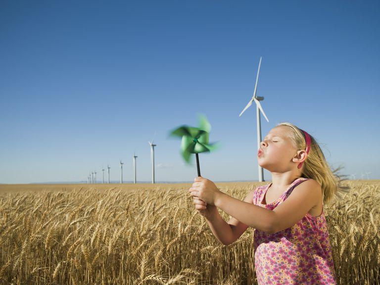 La energía eólica proviene del viento y es limpia y sustentable.