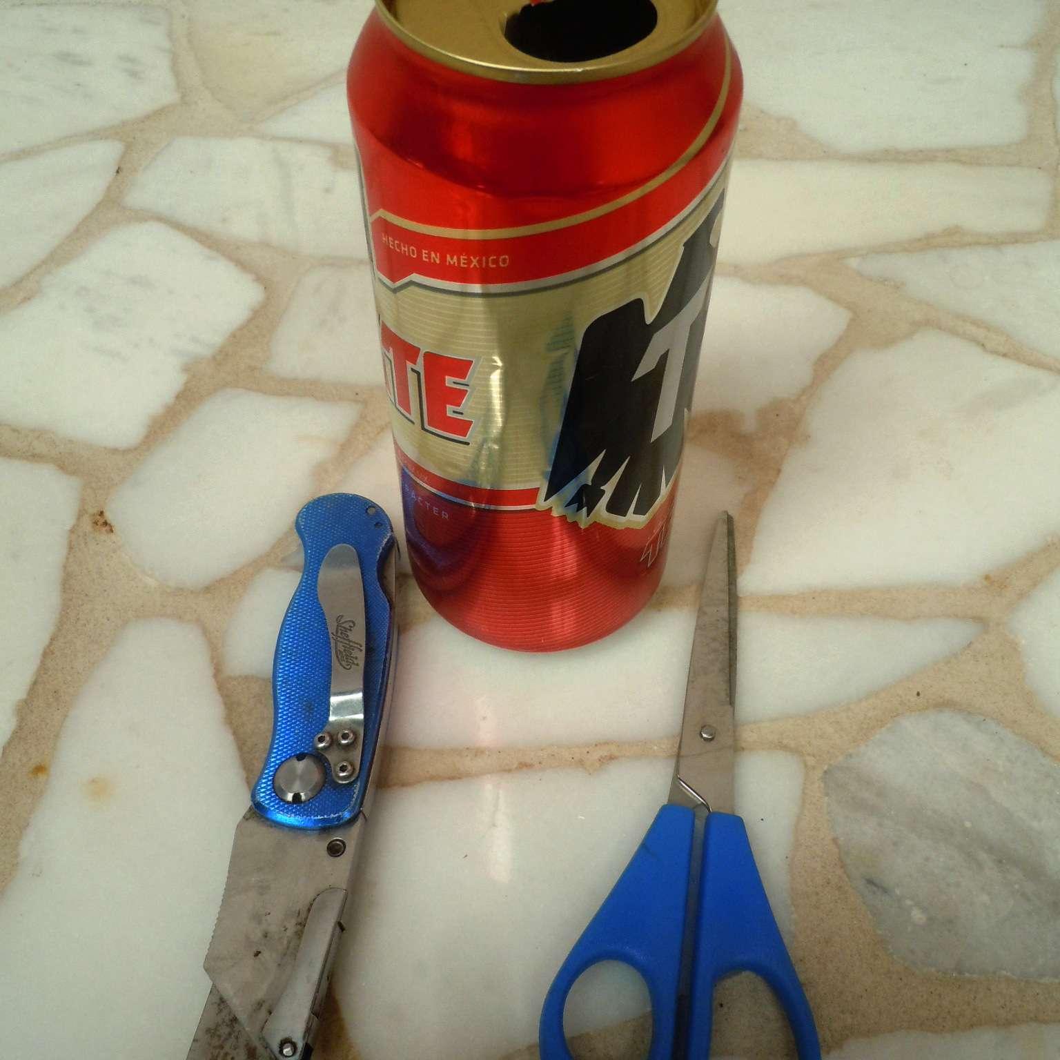 Materiales para hacer un cenicero o portavelas de lata reciclada