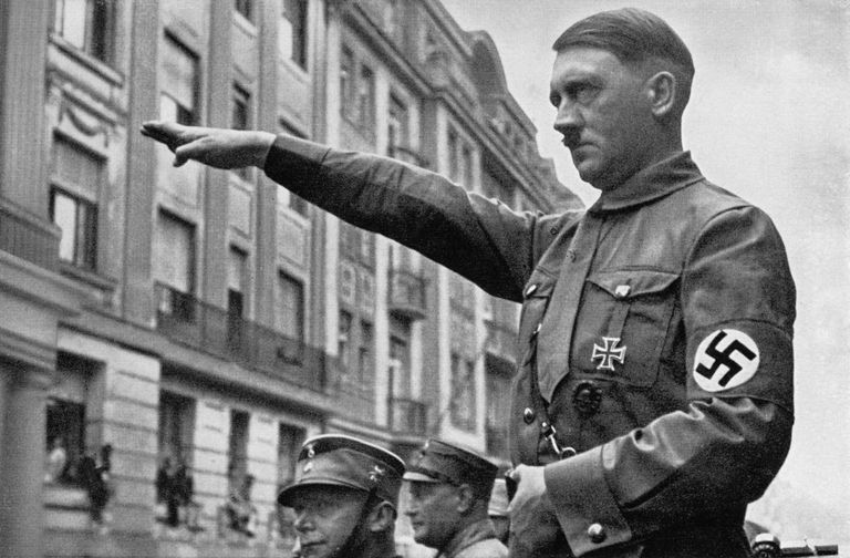 Adolf Hitler, 1932