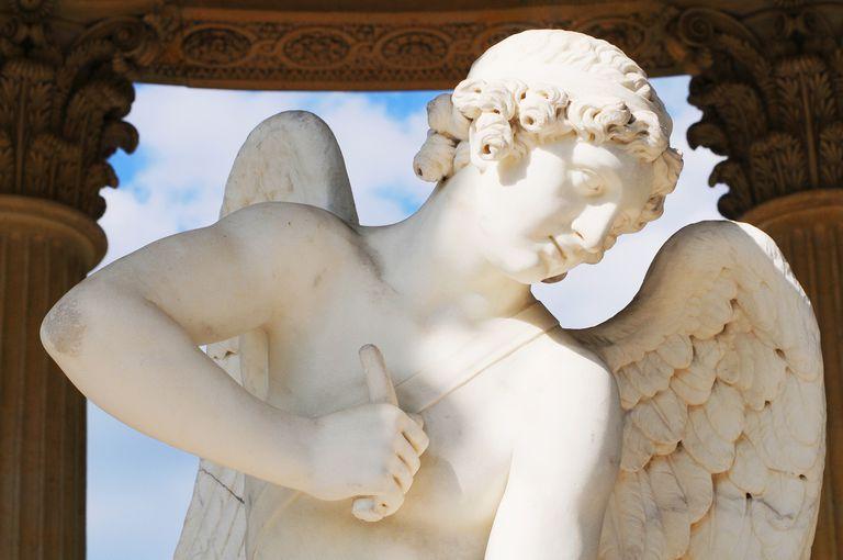 """Escultura """"Amour"""" en el palacio de Versalles"""