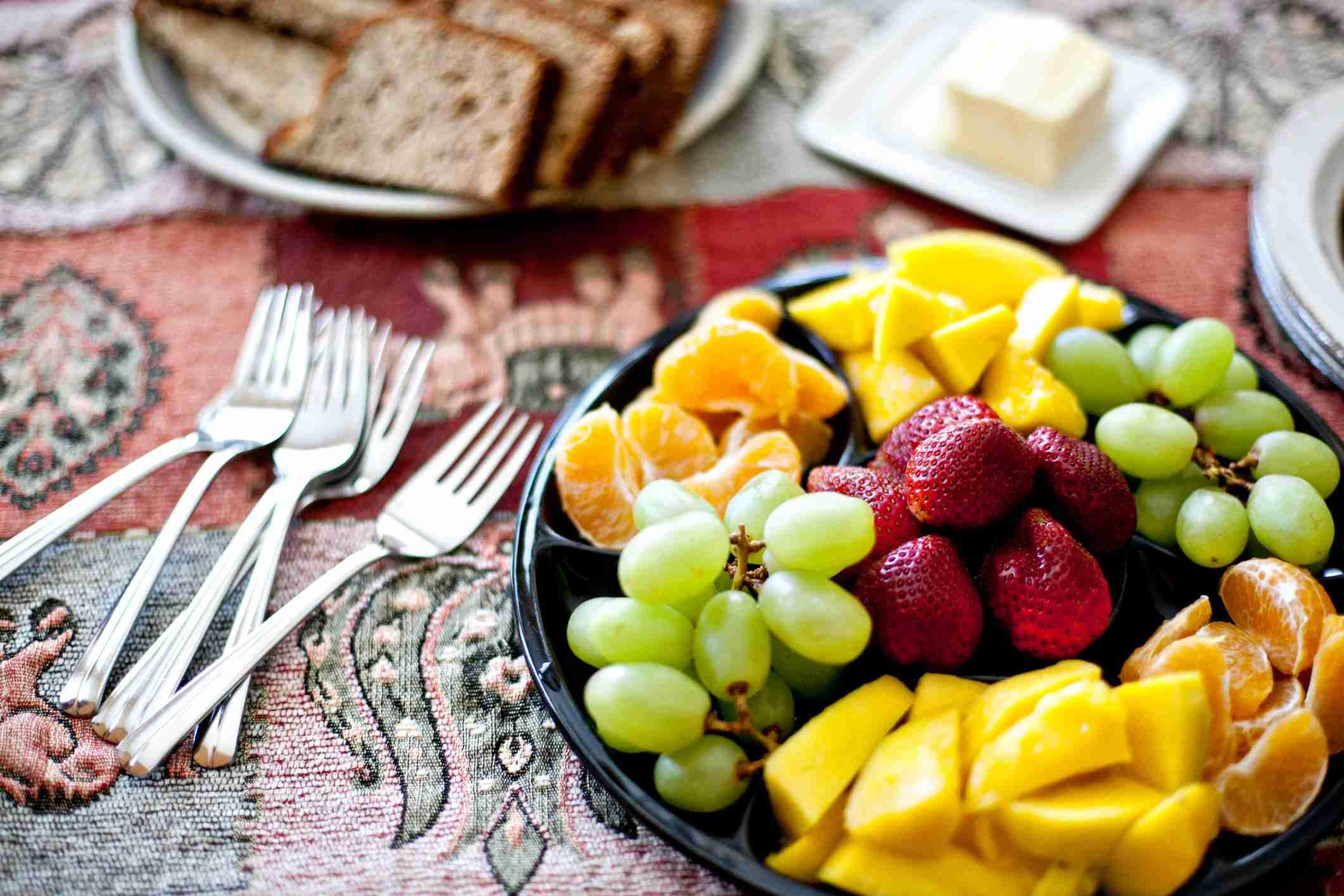 bol de frutas desayuno saludable y nutritivo