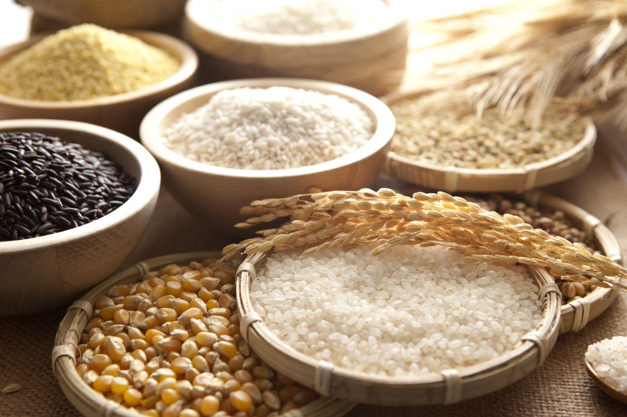 Boles de arroz, maíz y mijo