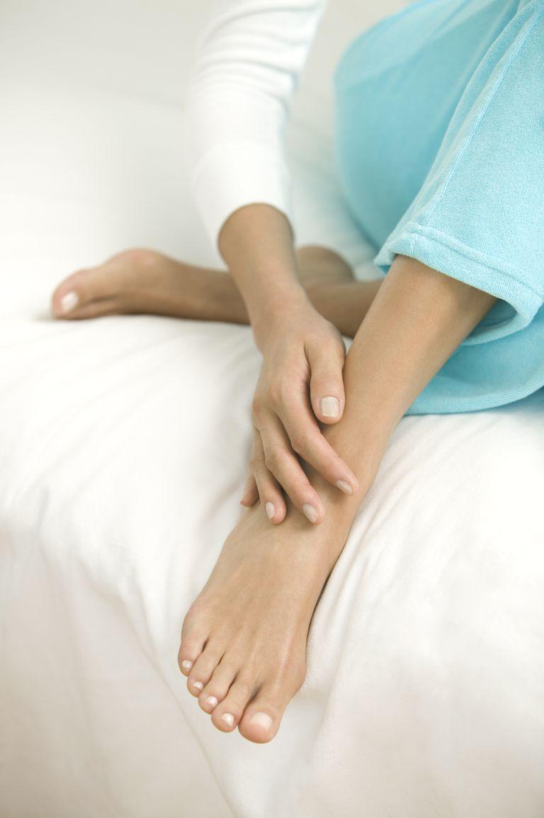 Por qué se hinchan los tobillos