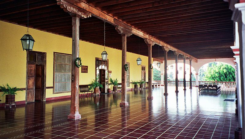Hacienda_San_Jose_Chincha_Entrance_Richardp999.jpg