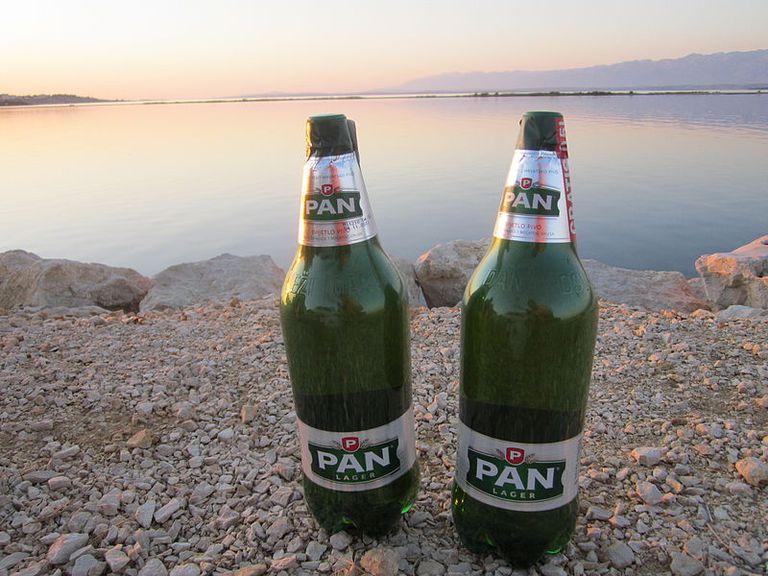 Croatian_pan_lager_beer_c_Spacekid-at-Wikimedia-Commons.JPG
