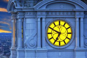 Estados Unidos, Pensilvania, reloj en lo alto del Philadelphia City Hall