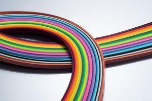 Curvas de papel de colores del arco iris