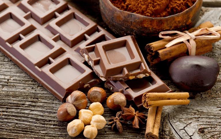 Chocolate, canela, avellanas, cacao