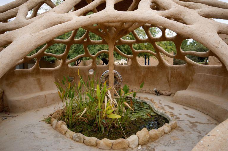 Ejemplo de un espacio disenado con permacultura: Lotan Kibbutz, Israel.