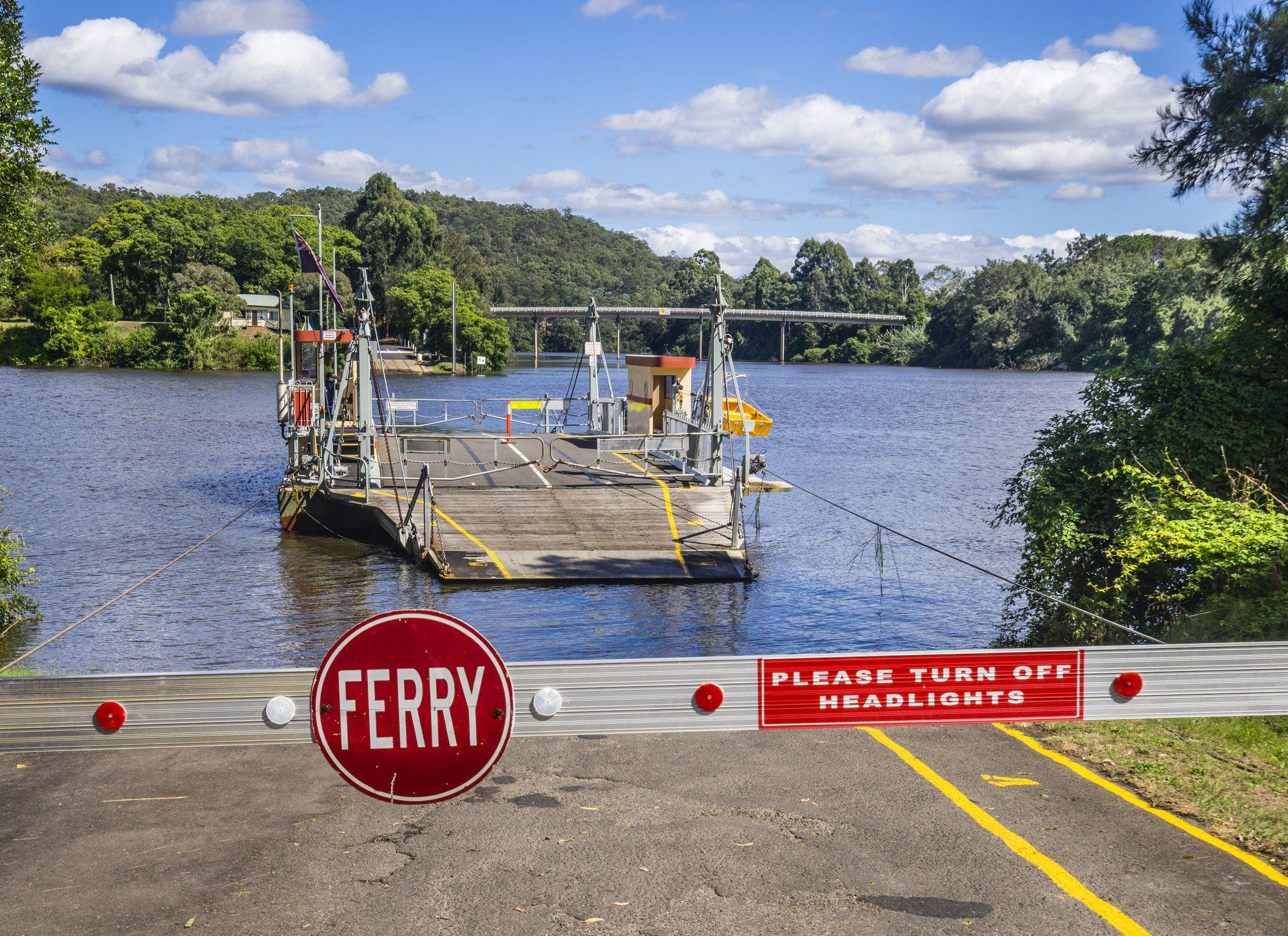 Lower Portland vehicular ferry Hawkesbury River