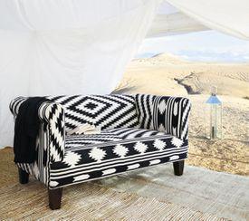 sofa-etnico-blanco-y-negro