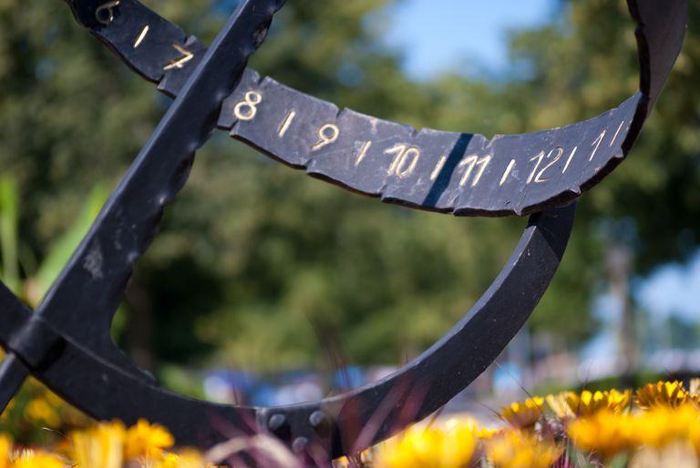 Sundial_LenDog64_Flickr.jpg