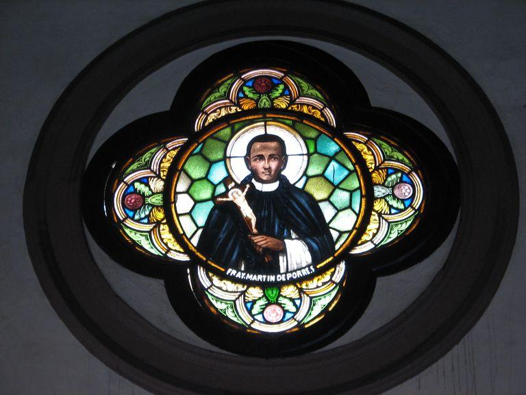 Retrato de San Martín de Porres en vidriera