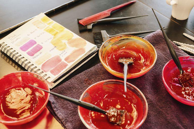 Tinte para el cabello con carta de colores