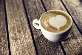 cafe y presion arterial, cafeina y hipertension, cafe y corazon,