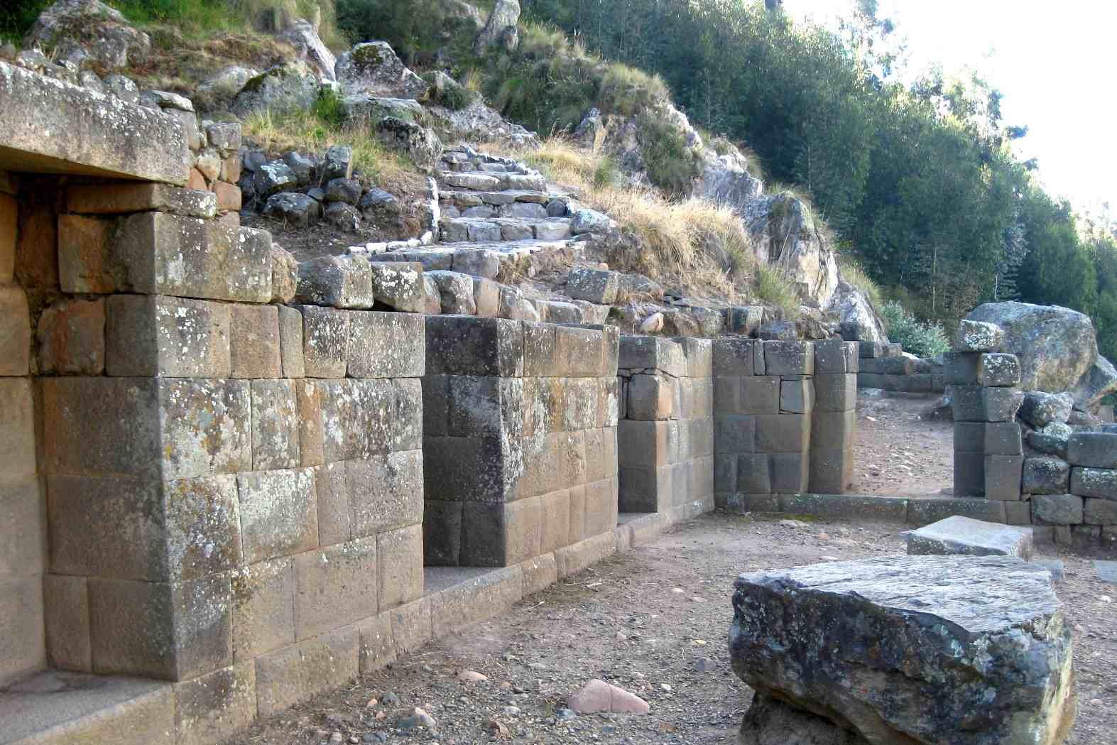complejo-arqueologico-de-Pumacocha.JPG
